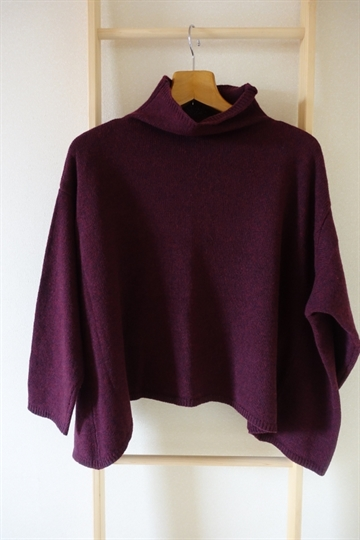 Tversted sweater